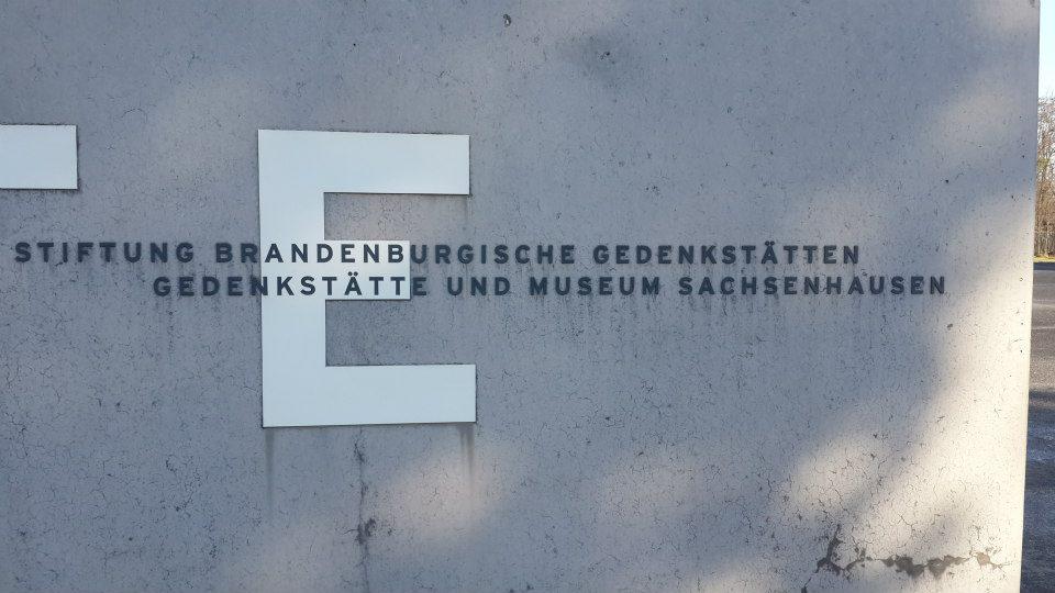 Ingreso - cartel de entrada