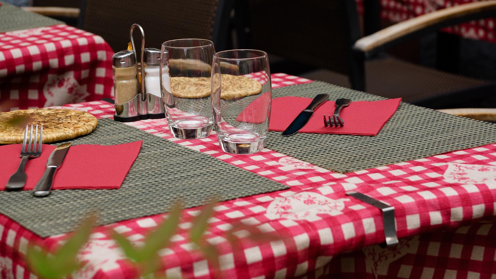 restaurant-783093_1920