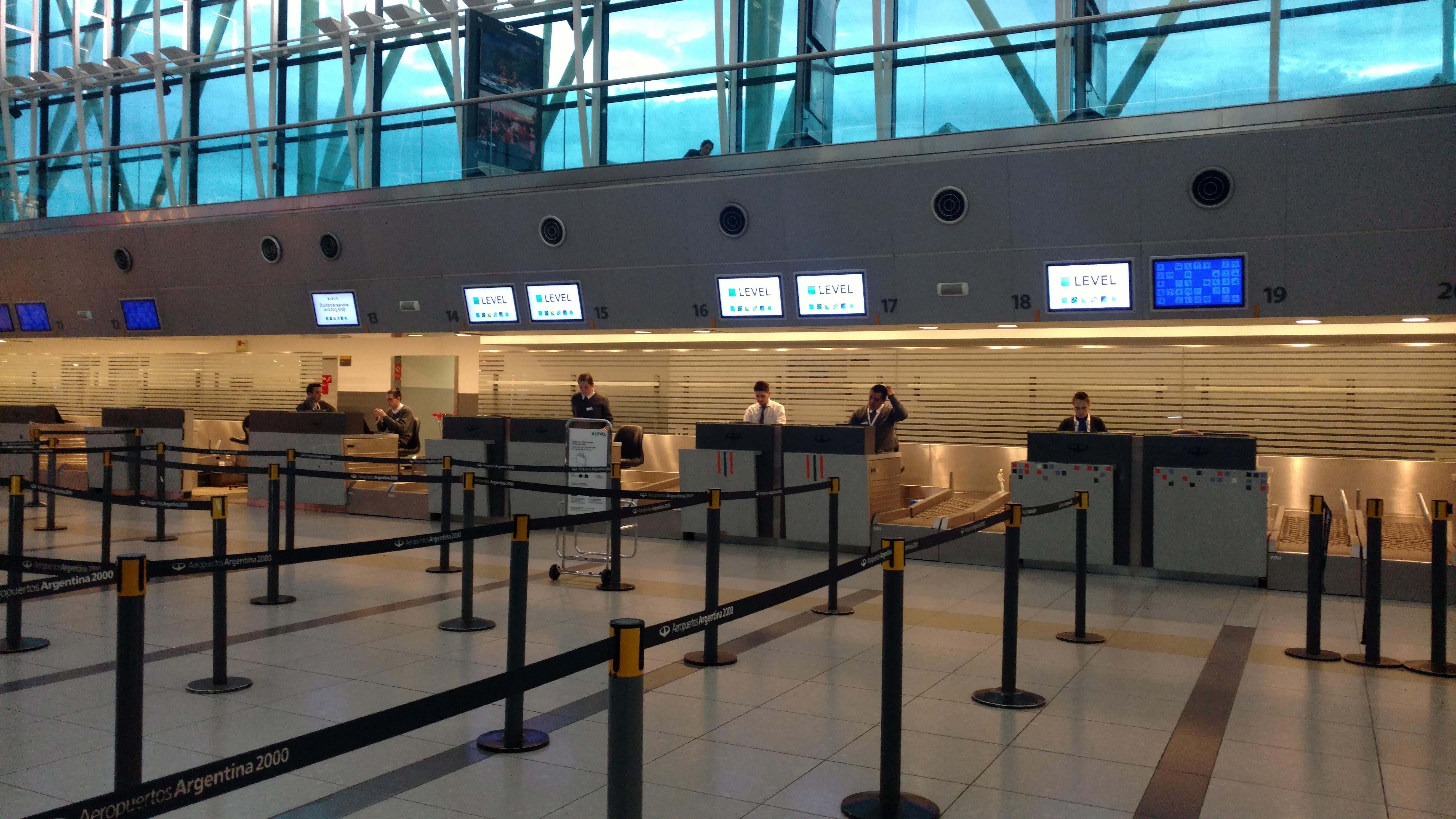 aeropuerto, ezeiza, level, volar con level, aerolinea, iberia, reporte de vuelo, low cost, barcelona